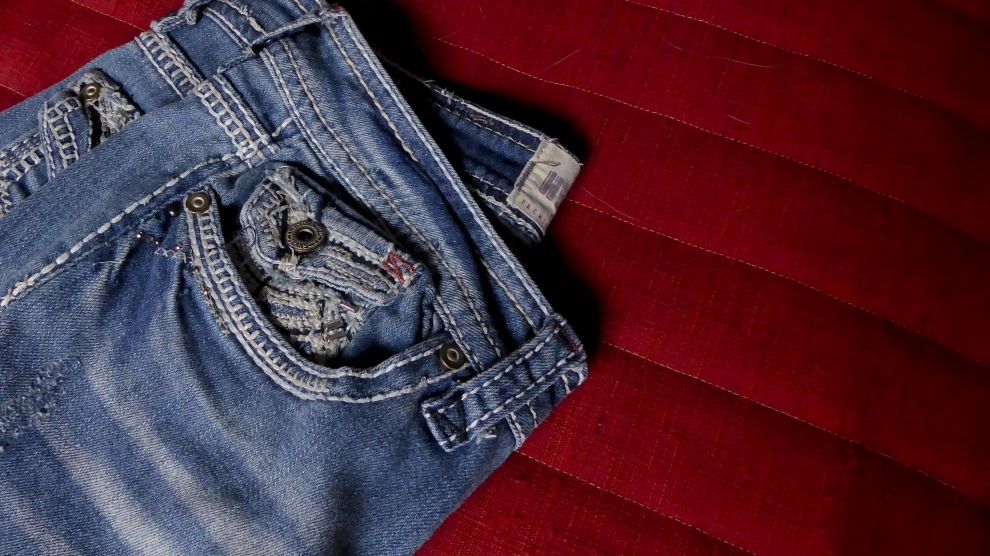 Getting Rid of Jeans that don't Fit | Libero Magazine 2