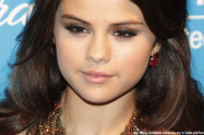 Selena Gomez Taking Time Off Due to 'Anxiety, Panic Attacks, Depression' | Libero Magazine 2